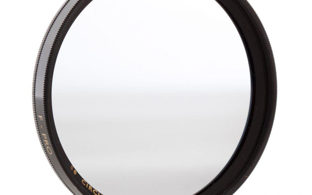 Il filtro polarizzatore per macchina fotografica: un utile approfondimento