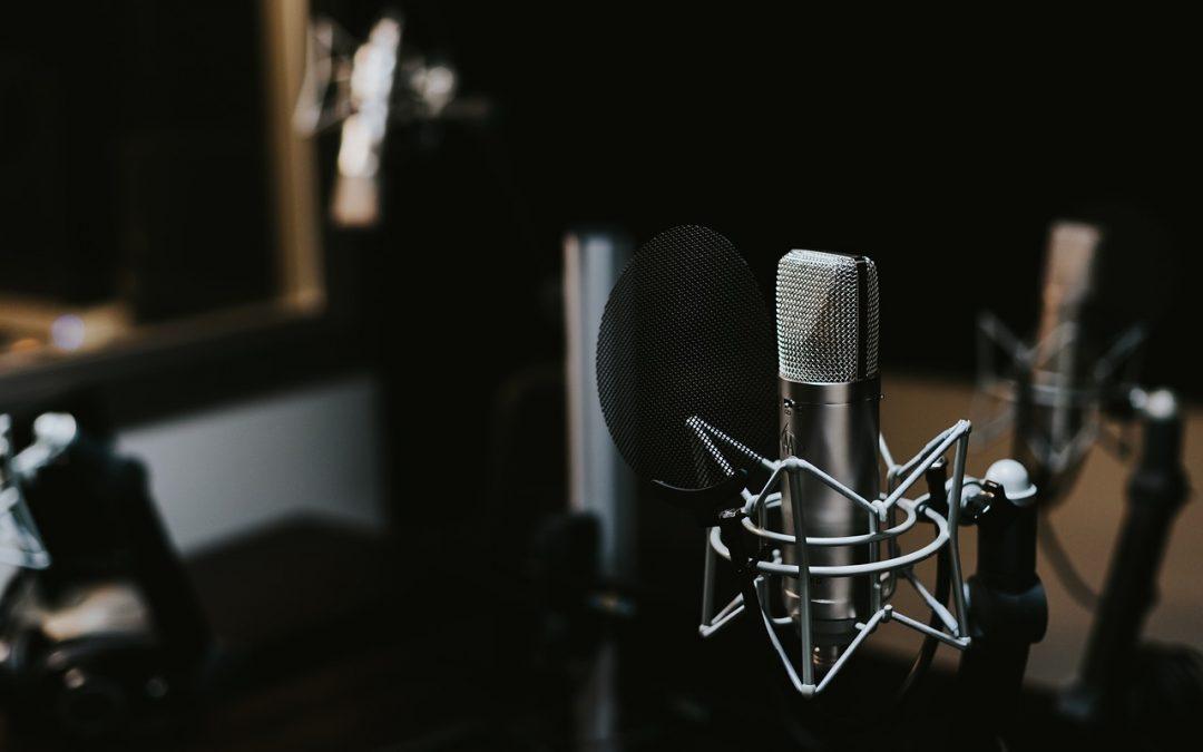 Microfono a filo o wireless? Pro e contro di questi dispositivi